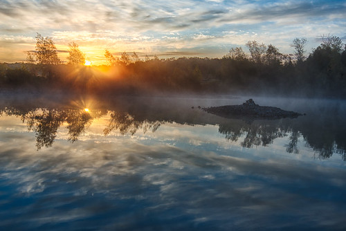 fall sunrise foggy puslinchlake