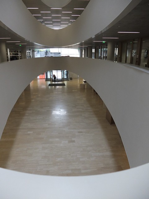 [DSCF4020 - looking down, main entrance]