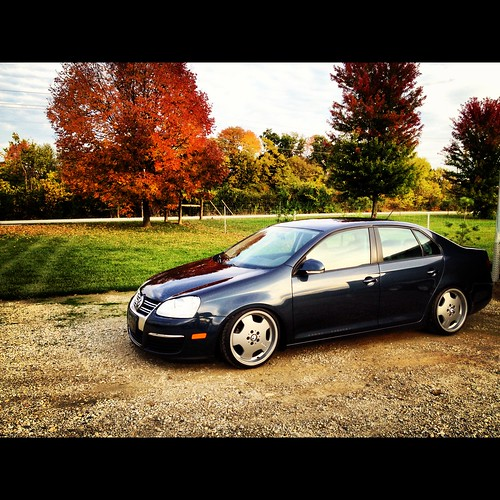 Volkswagen Dayton Ohio: Clean Car And Fall Colors