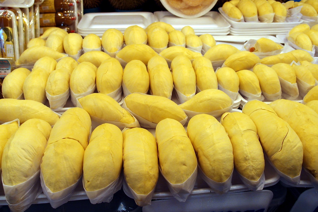Or Tor Kor Market: Thai durian