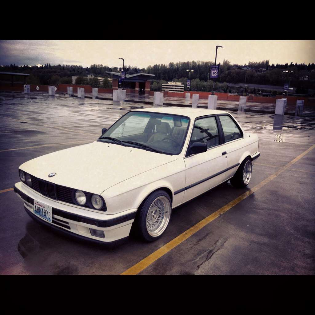 "bmw e30 with klutch wheels sl1 silver 15x8.5"" aggressive fitment stanced stretched tires"