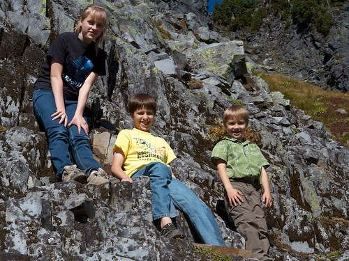 The three speedy hikers on Chain Lakes Trail