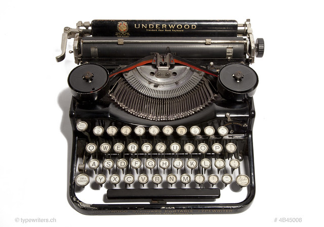 Underwood 4bank portable typewriter