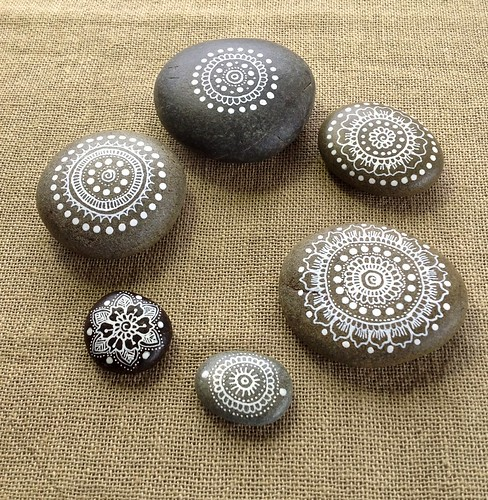 Mandala Pebbles by MagaMerlina