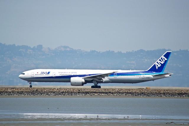 ANA 777 -300 port profile runway 28R ? SFO DSC_0715