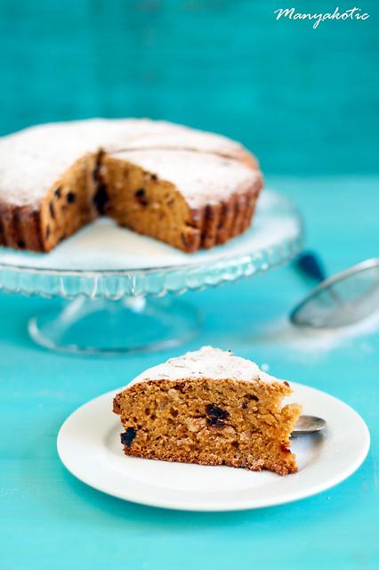 date and polenta cake