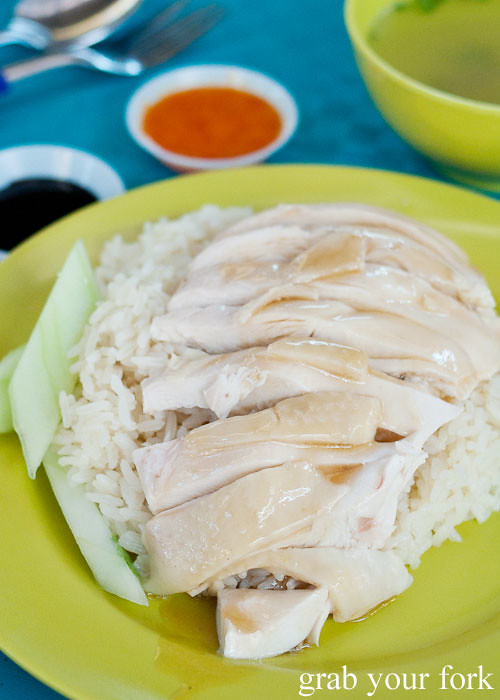 tian tian hainanese chicken rice at maxwell food centre hawker market singapore anthony bourdain