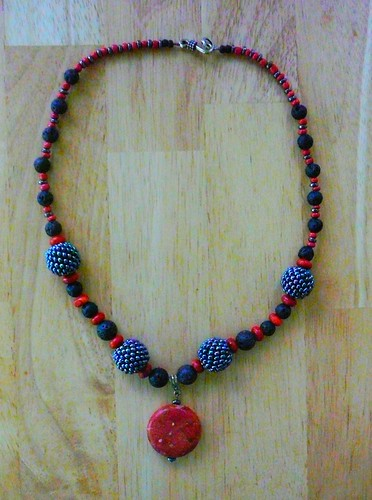 Lava stone, howlyte, beaded beads necklace