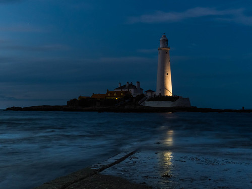 St. Mary's Lighthouse at night