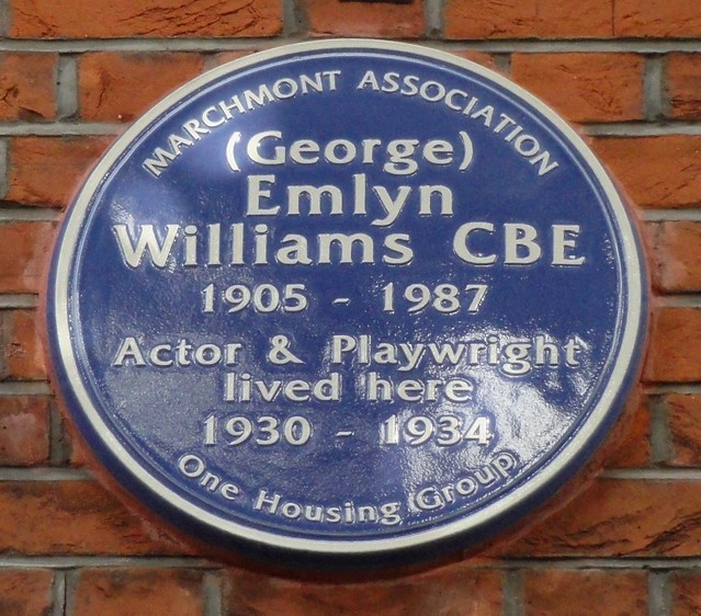 Photo of George Emlyn Williams blue plaque