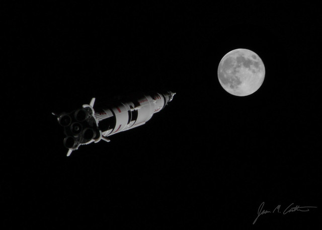 092912 Saturn V toward the Moon