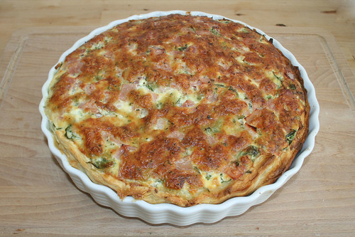 40 - Rucola-Ziegenfrischkäse-Quiche - Fertig gebacken / Quiche with rucola & goat cream cheese - finished baking