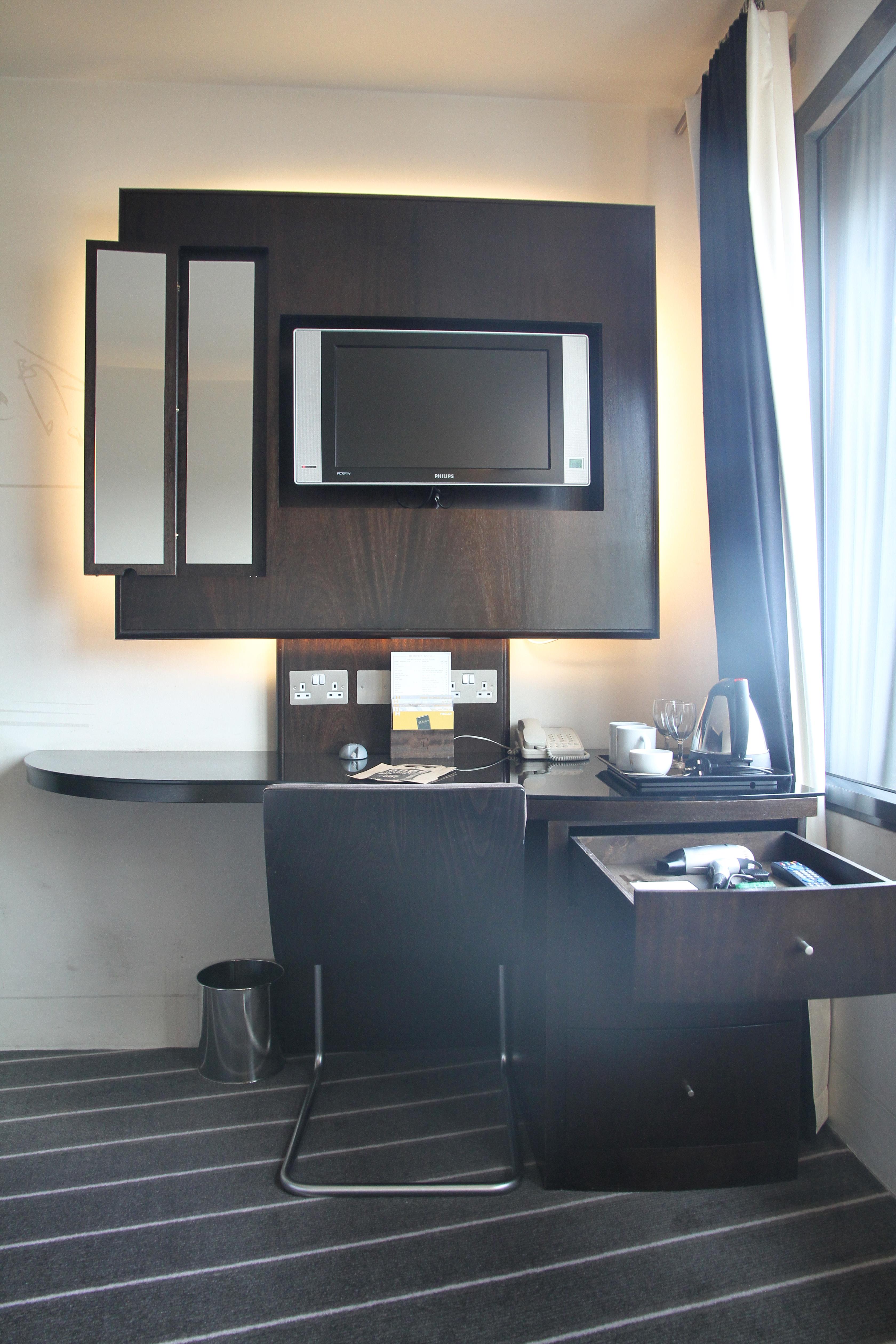 Hoxton Hotel Shoreditch Room Service