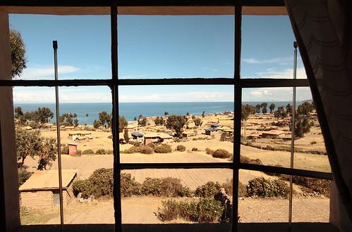 lake peru window titicaca southamerica canon lago island eos spring room isla puno sudamerica quechua amantani amantaní