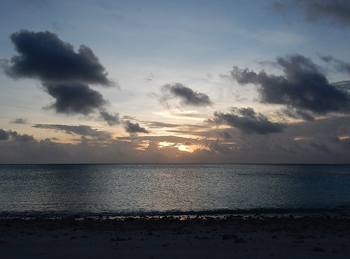funafuti tuvalu clouds horizon sunset dusk