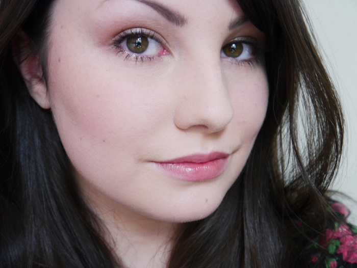 benefit hello flawless oxygen wow foundation ivory 4