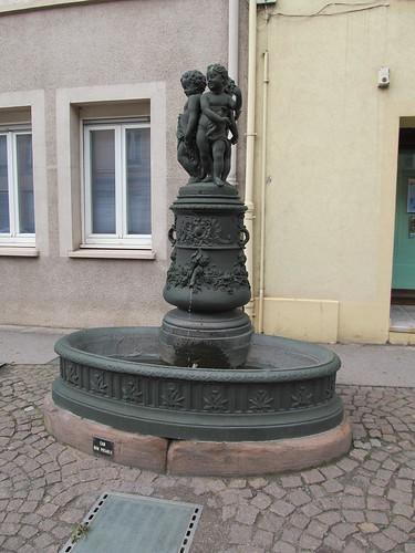 fontaine et monument raon l'etape 035