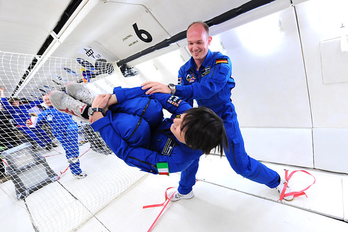 Samantha Cristoforetti and Alex Gerst during a parabolic flight