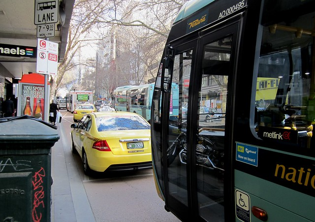 POTD: Little or no policing of bus zones