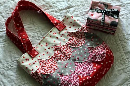 OO scalloped bag