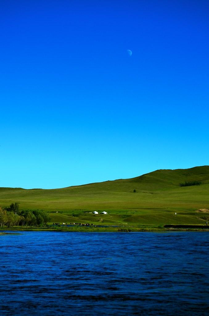 モンゴル紀行 蒼空とゲルと川