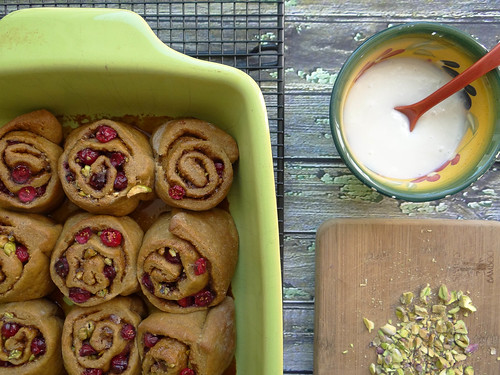 pumpkin pistachio cranberry sweet rolls // cinnamon cream cheese icing