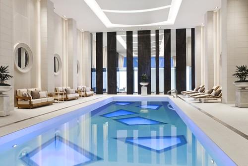 Rosewood Hotel Georgia_Pool full