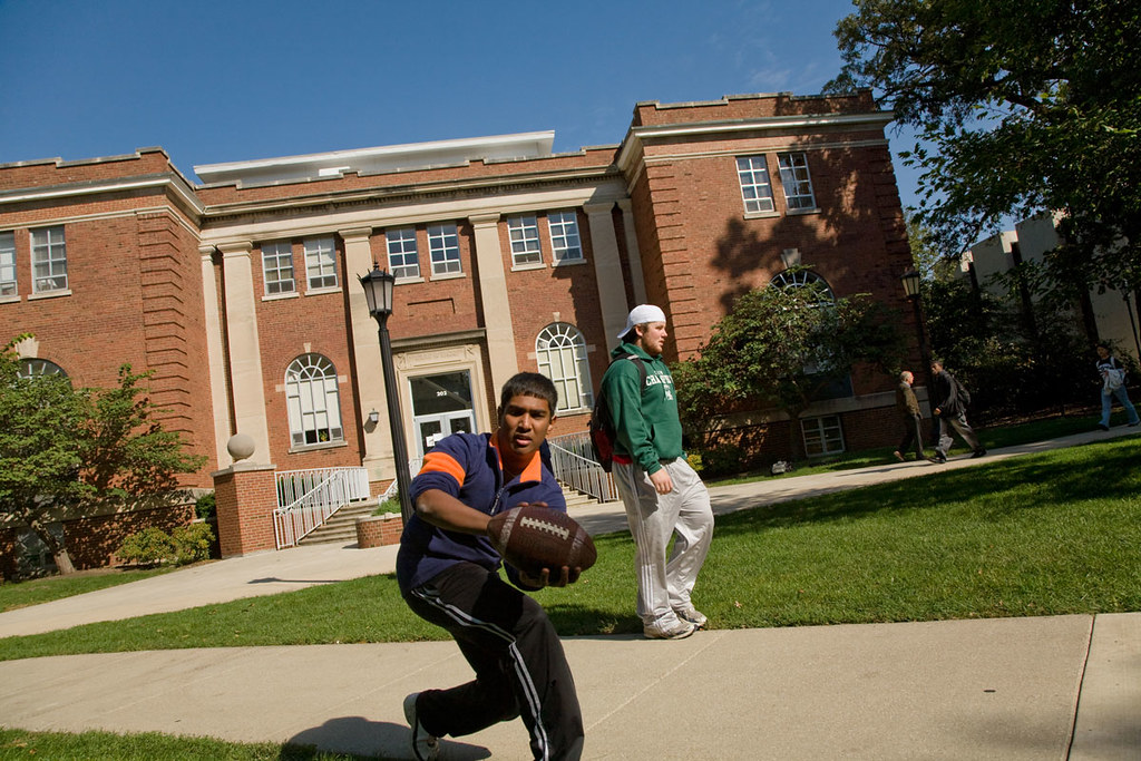 illinois wesleyan campus photo tour