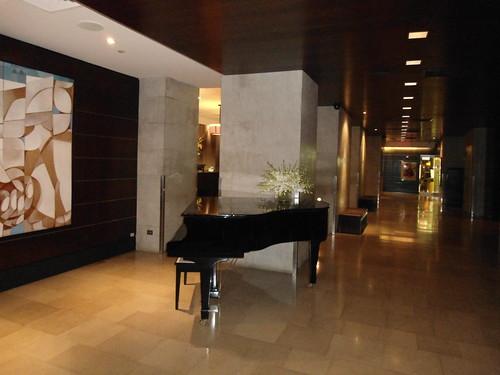Piano, Lobby, OTA ON THE AVENUE HOTEL, New York 2012, USA - www.meEncantaViajar.com by javierdoren