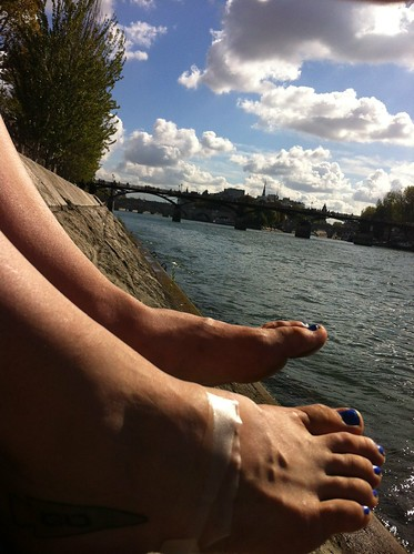 Dangling Feet over the Seine