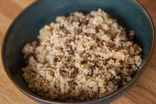 Quinoa with walnuts and raisins