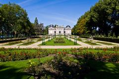 Roseraie du Musée d'Art Moderne et d'Art Contemporain dans le Parc de la Boverie