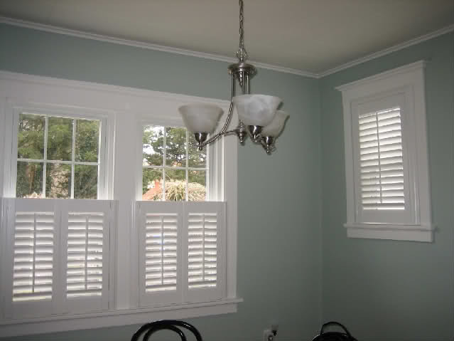 bedroom-design-interior-plantation-shutter