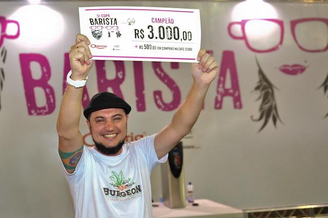 Lucas Salomão ganhou o título de melhor barista do Brasil pela segunda vez consecutiva. (Foto: Divulgação SIC)