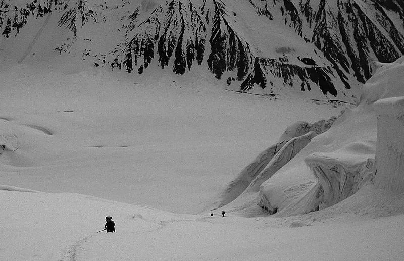 Climbing Gondoro La, Karakorum
