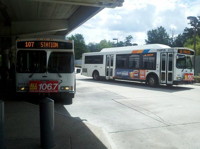 Marta Bus 2108 Amp 2170 Leaving Orion Vii Cng At Kensington