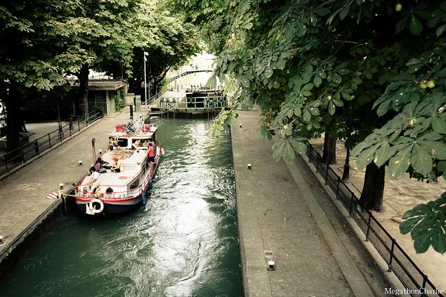 canal saint martin paris flickr photo sharing. Black Bedroom Furniture Sets. Home Design Ideas