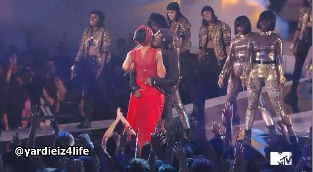Rihanna-ASAP-Rocky-butt-grab