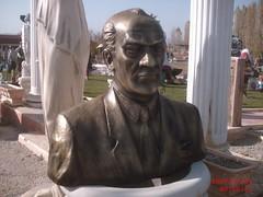 Atatürk Büyük Büst