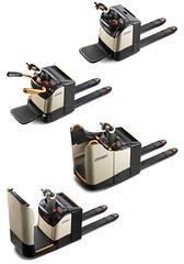 De bekroonde Crown WT 3000 elektrische pallettruck met FlexRide vering biedt bestuurders comfort tijdens laad- en loswerkzaamheden