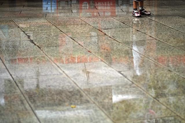 雨上がりの石畳