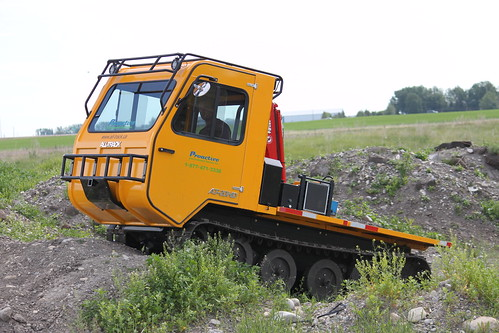 Rubber tracked vehicle