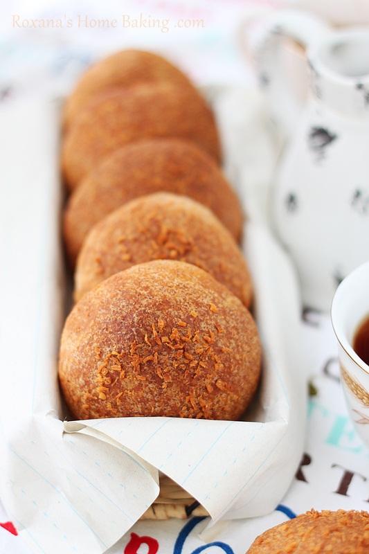 Cardamom buns |Roxanashomebaking.com