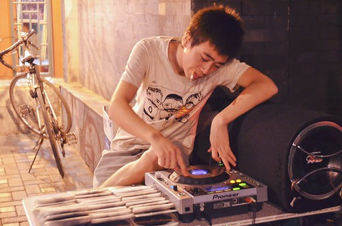 Houhai local DJ