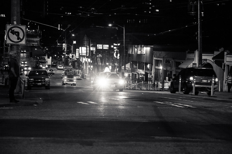 Intersection [EOS  5DMK2 | EF 24-105L@97mm | 1/50s | f/4.5 | ISO800]
