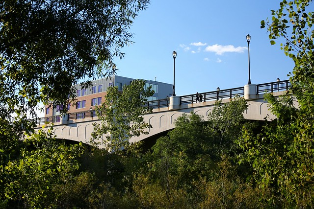 North Avenue Bridge