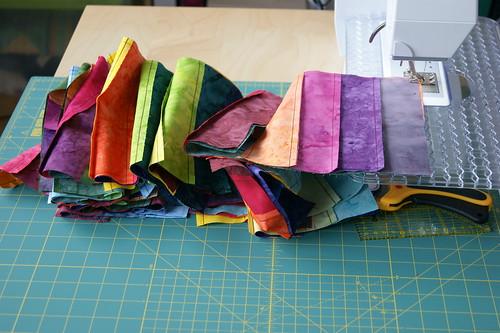 Jelly-Rainbow Streifenblöcke genäht