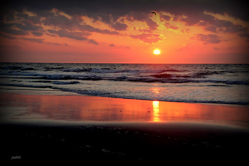 ocean morning sea nature sunrise newjersey waves wildwood fivemilebeach 1stdayoffall