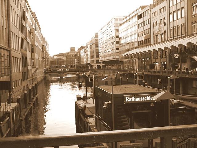 *Hamburg