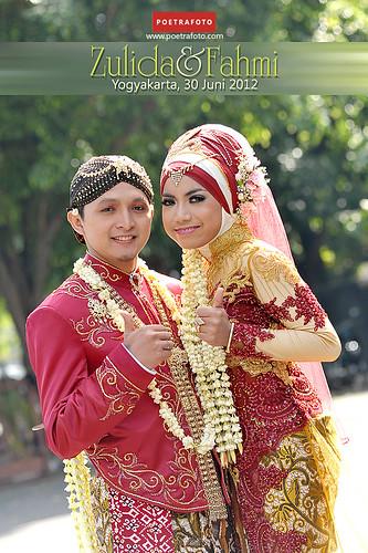 Foto Wedding Dg Dekorasi Pernikahan Outdoor Di Yogyakarta: Portrait Pernikahan: Happy Wedding Outdoor By Poetrafoto